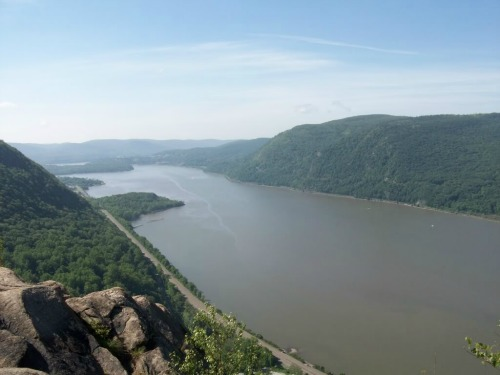 Breakneck Ridge, backpacking trails