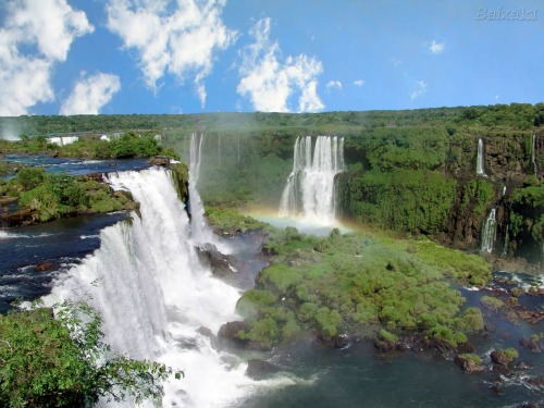 Cataratas del Iguazu, backpacking around south america
