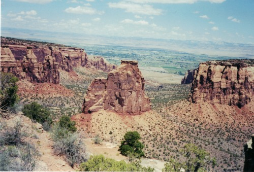 Colorado National Monument, travel backpack