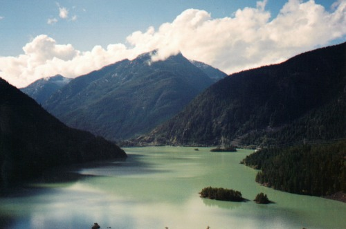 Green Color Lake and Mountains, north cascades national park