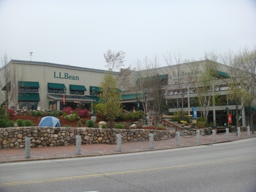 Main Office Of L.L. Bean, ll bean backpacks