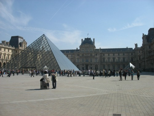 Free Friday nights at the Louvre, best cheap backpacking in europe