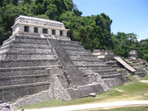Mayan Temple in Palenque, Mexico, cheap backpacking