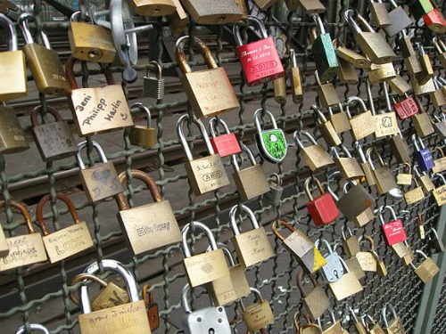 The Lover's Lock, backpacking italy