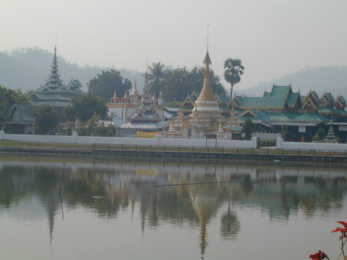 Mae Hong Son Loop, The Beautiful Wat Chong Kham!