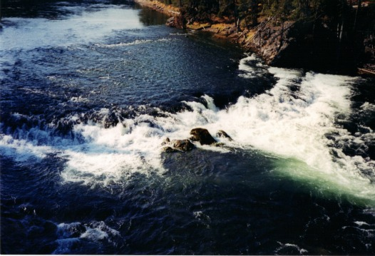 Yellowstone River above the falls, lightweight backpacking